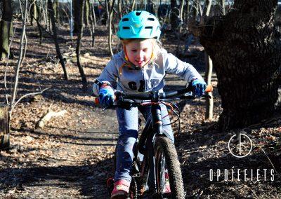 Cross for the crocus Op die fiets Kids Clinic